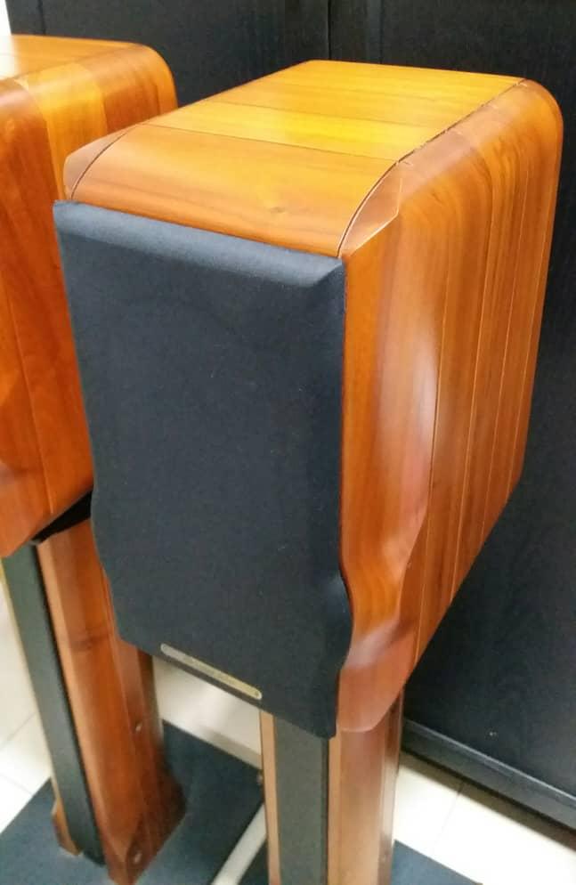 Sonus Faber Minima Amator c/w Original Sonus Faber Speaker Stand Speake24