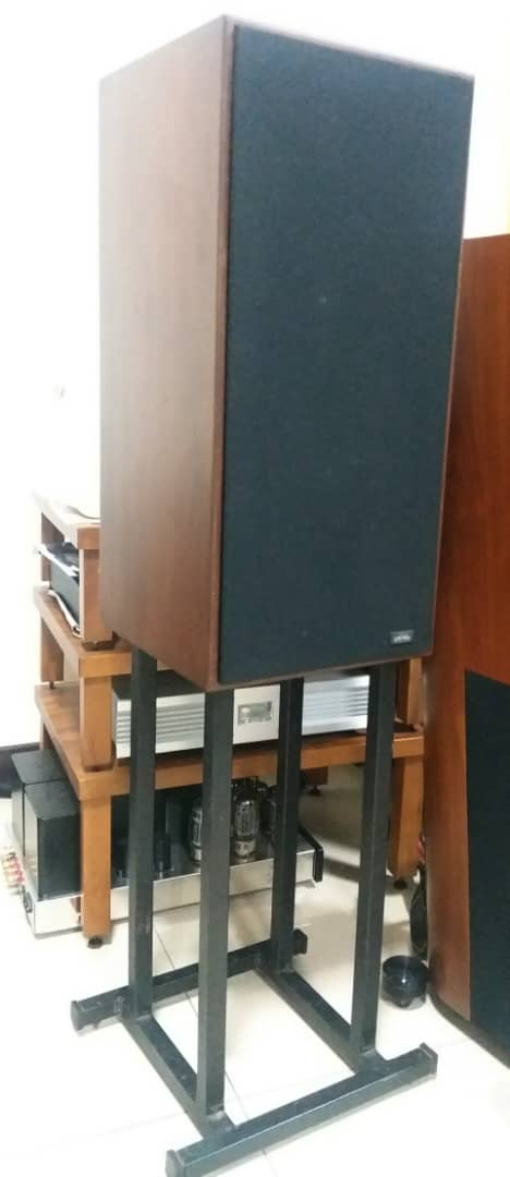 Spendor SP 1/2 Speakers With Matching Stands Spendo10