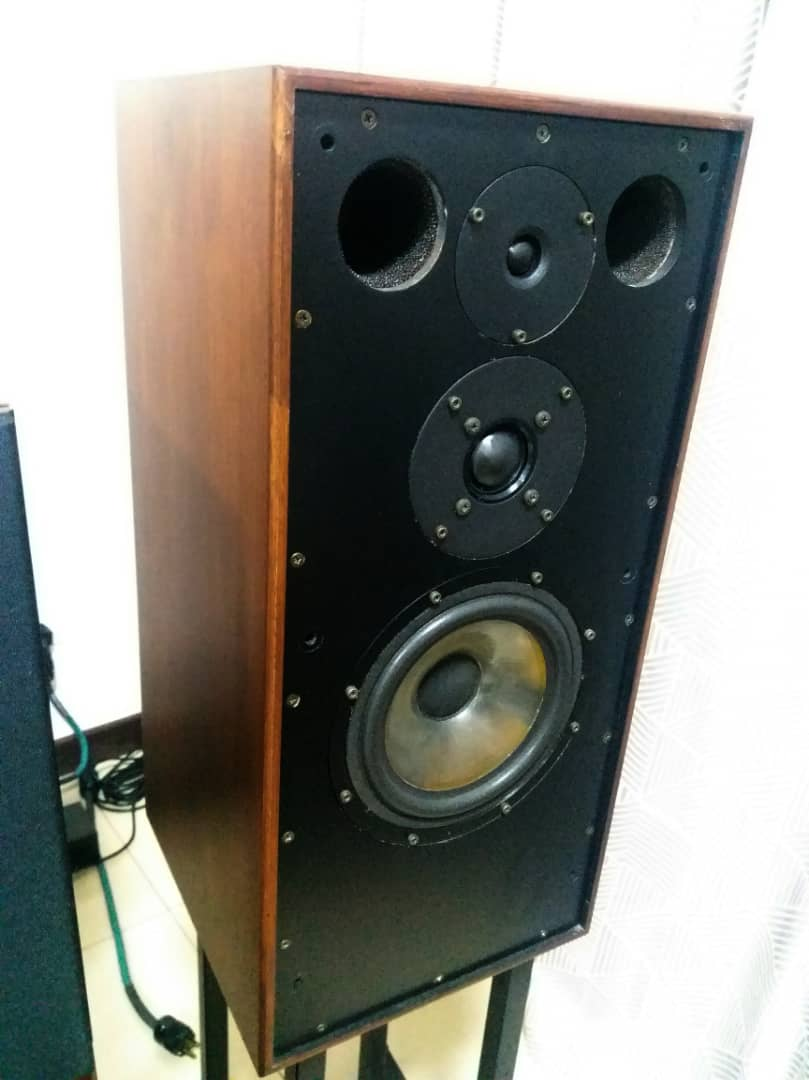 Spendor SP 1/2 Speakers With Matching Stands Spendo12