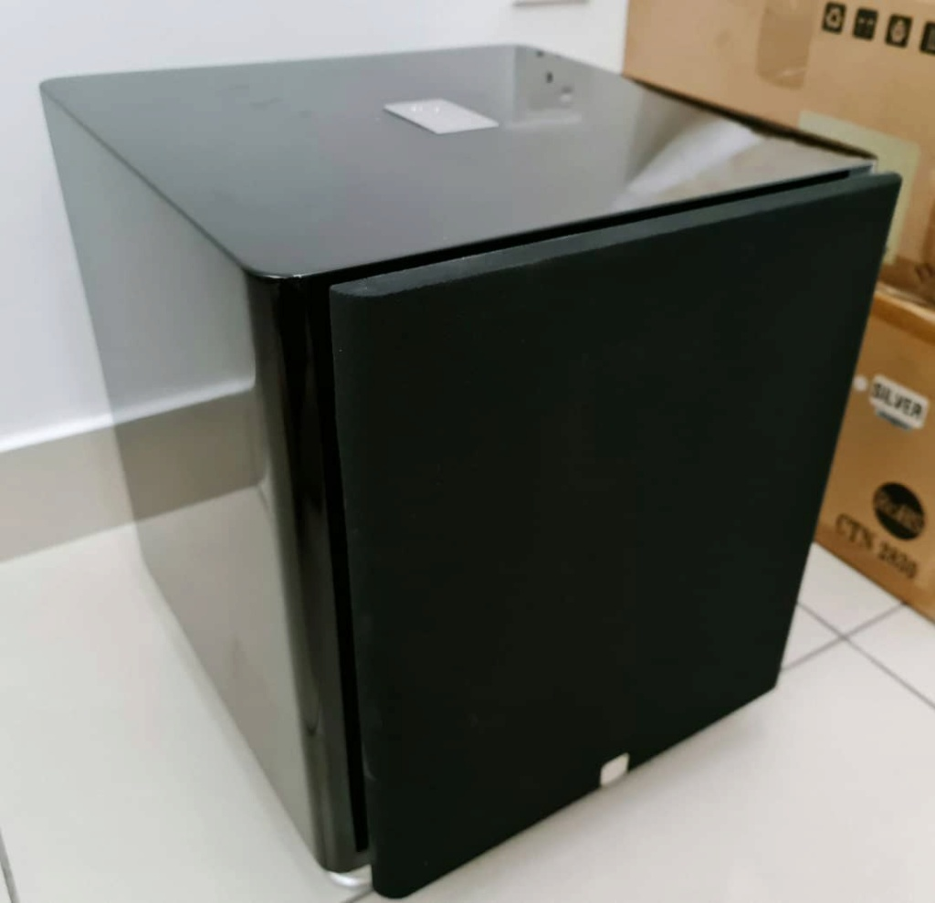 Sumiko S.9 Subwoofer by Sonus Faber- Gloss Piano Black Sumiko10