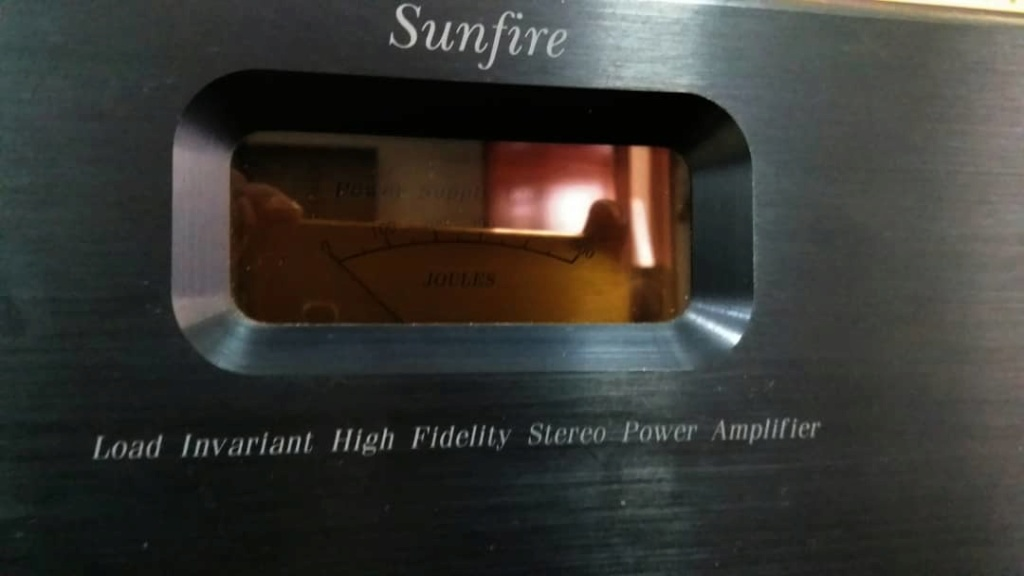 SUNFIRE Load Invariant Power Amplifier  300wpc@ 8ohms, 600@ 4ohms Sunfir10