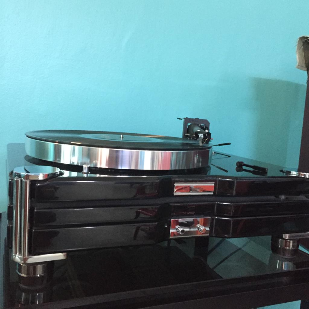 Roksan TMS3 Turntable With Roksan Caspian Power Supply X145