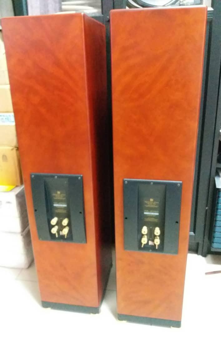 KEF Reference Model Two, 3-Way, 4-Driver Floorstanding Loudspeaker - Rosetta Burr Finish X517