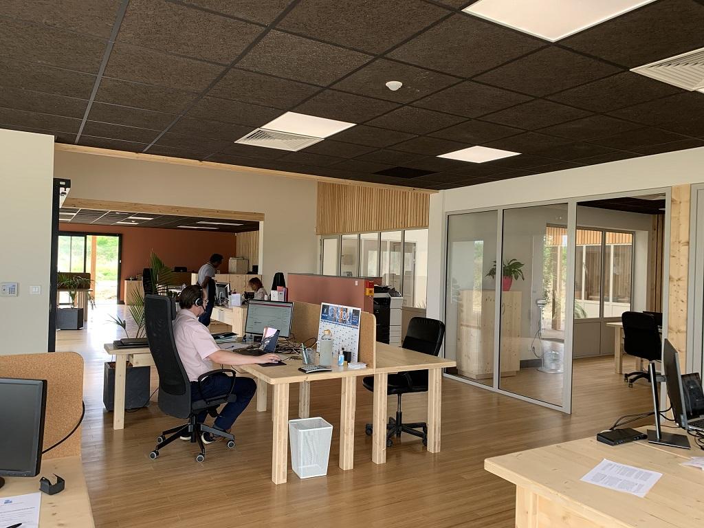 Mes nouveaux bureaux - Page 5 Img05412