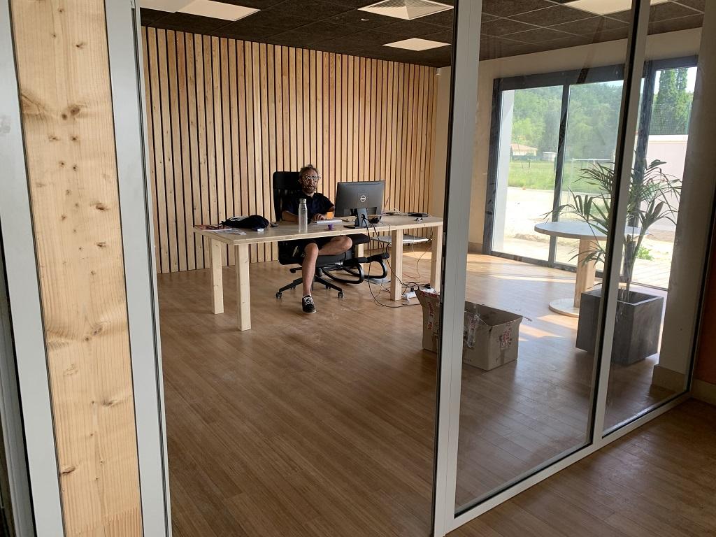 Mes nouveaux bureaux - Page 4 Img_0120