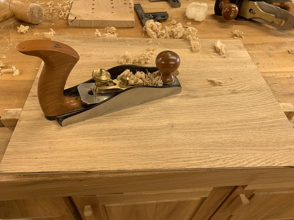 Une petite table de nuit pour Dulcinée et ensuite une petite console Img_0224