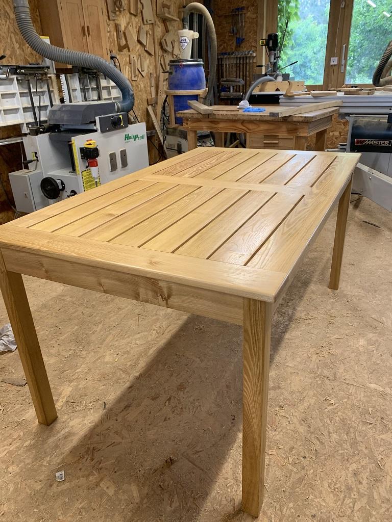 Une petite table de jardin Table_10