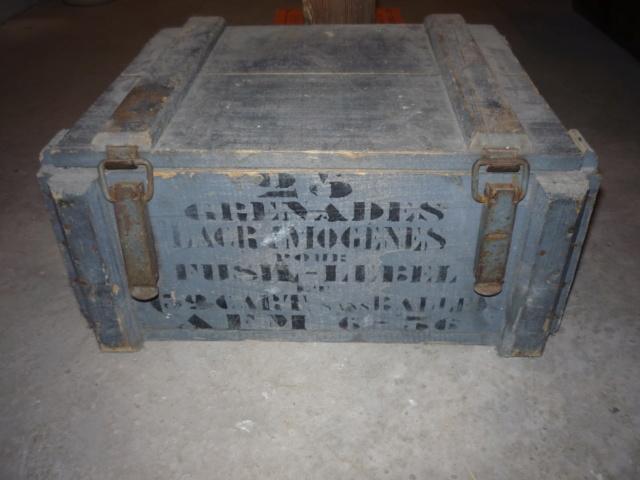 caisse grenades Françaises P1040132
