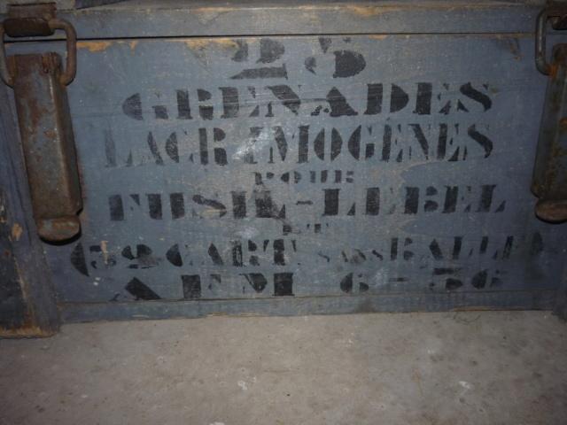 caisse grenades Françaises P1040133