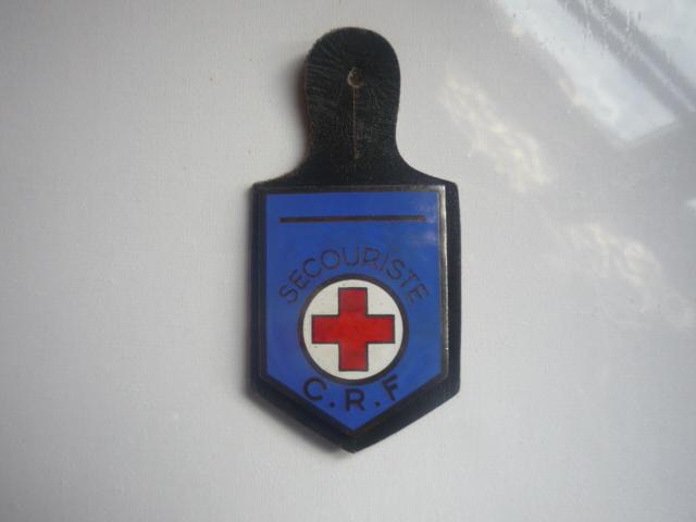 Grand insigne croix rouge P1040650