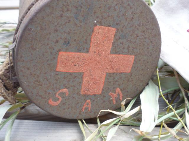 Sur le thème de la croix rouge P1040827