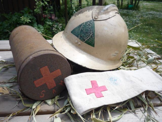 Sur le thème de la croix rouge P1040829