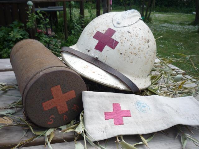 Sur le thème de la croix rouge P1040830
