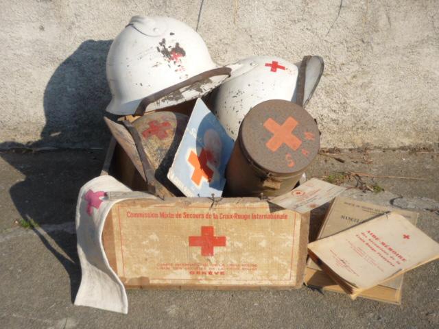 Sur le thème de la croix rouge P1040837