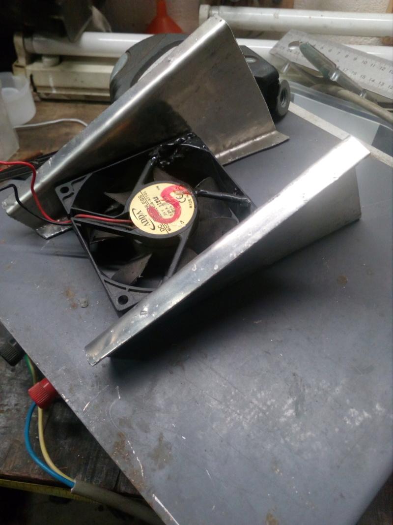 Deflecteur / extracteur de chaleur moteur sur Road King 1584 Img_2072