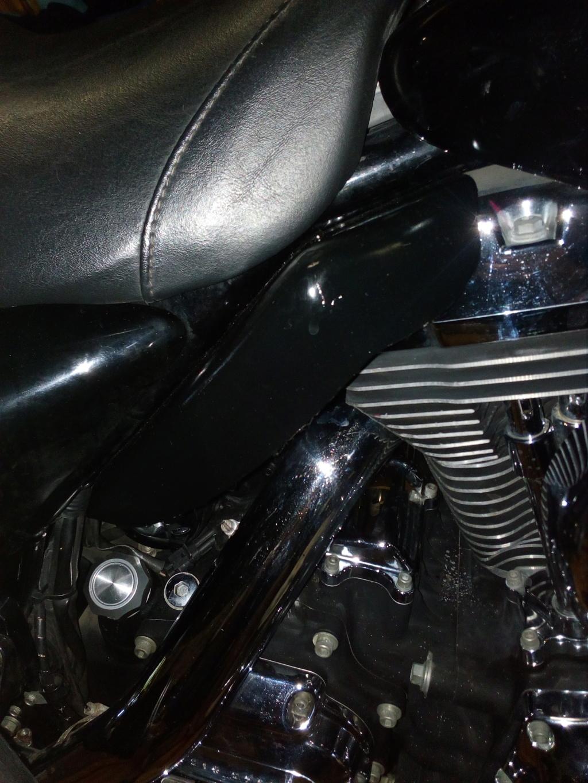 Deflecteur / extracteur de chaleur moteur + ventilo sur Road King 1584  - Page 2 Img_2102