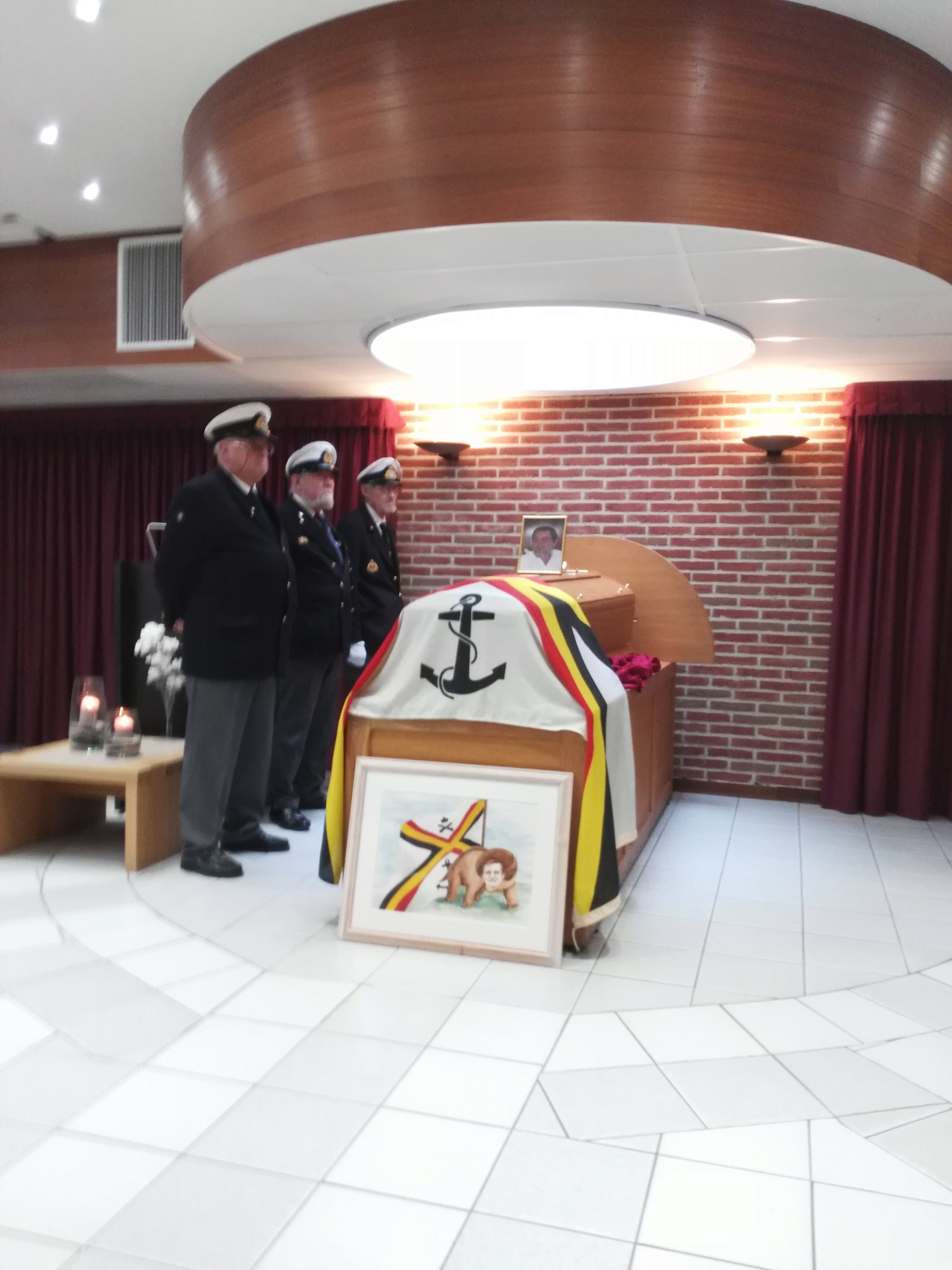 Les funerailles de Stan à Mons le vendredi 8 mars à 15h30 - Page 2 Img_2012