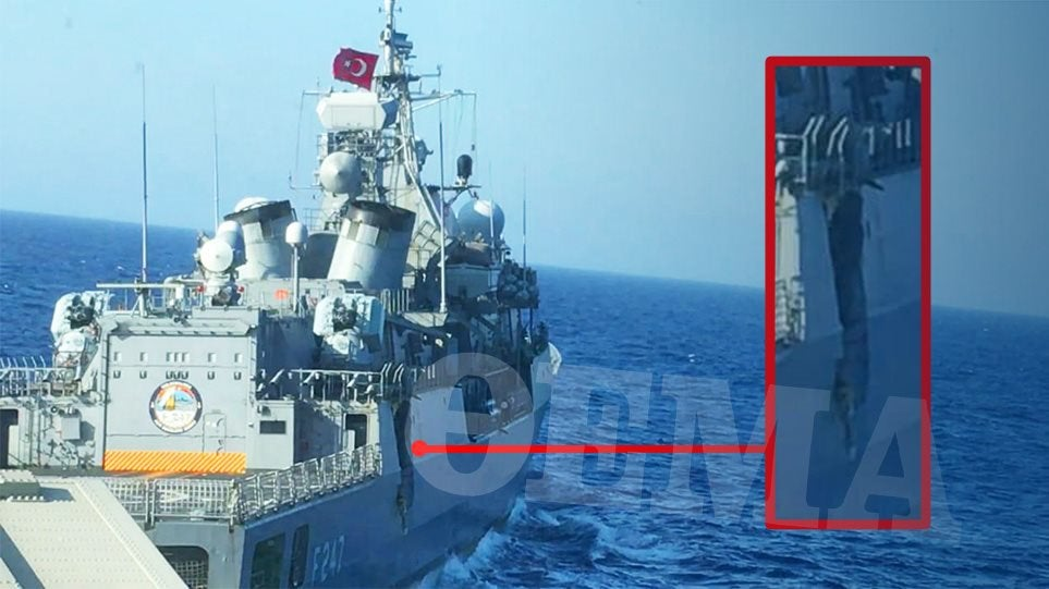collision fregate Kemal_10