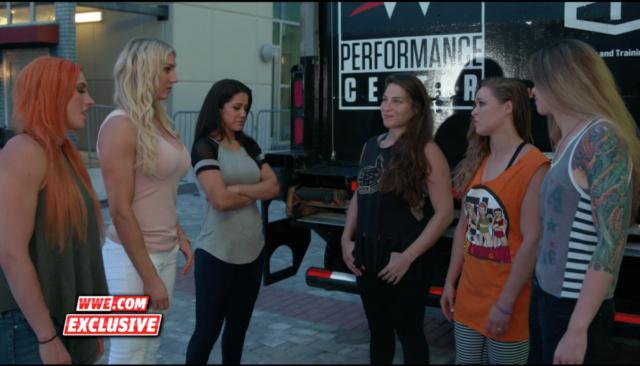 [Compétition] Une affiche Four Horsewomen vs. Four Horsewomen aux Survivor Series ? Mma-ww10