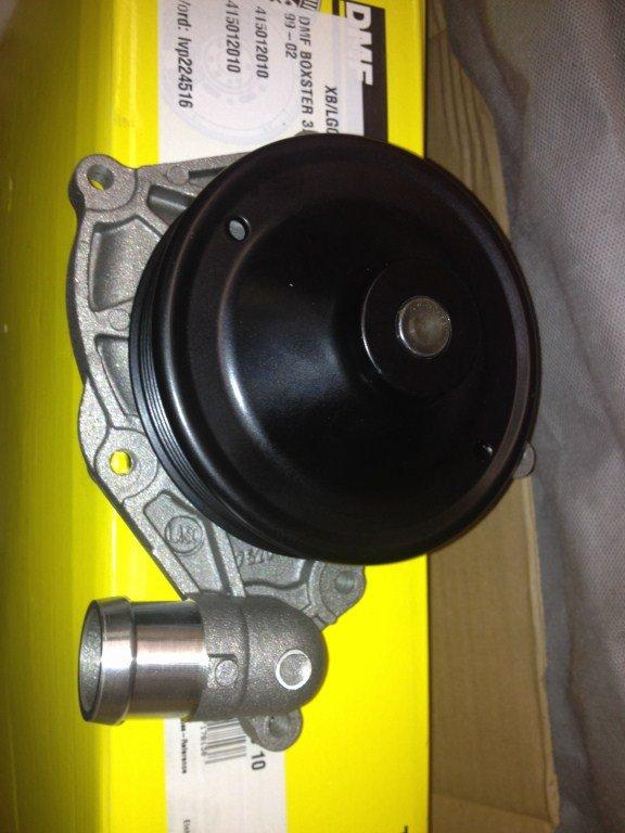 je change ma pompe à eau Img_1310