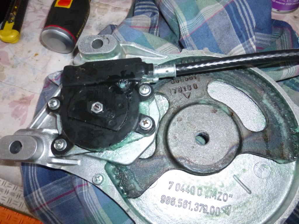 """mécanisme """"capote"""" electrique HS ? - Page 2 P1050512"""
