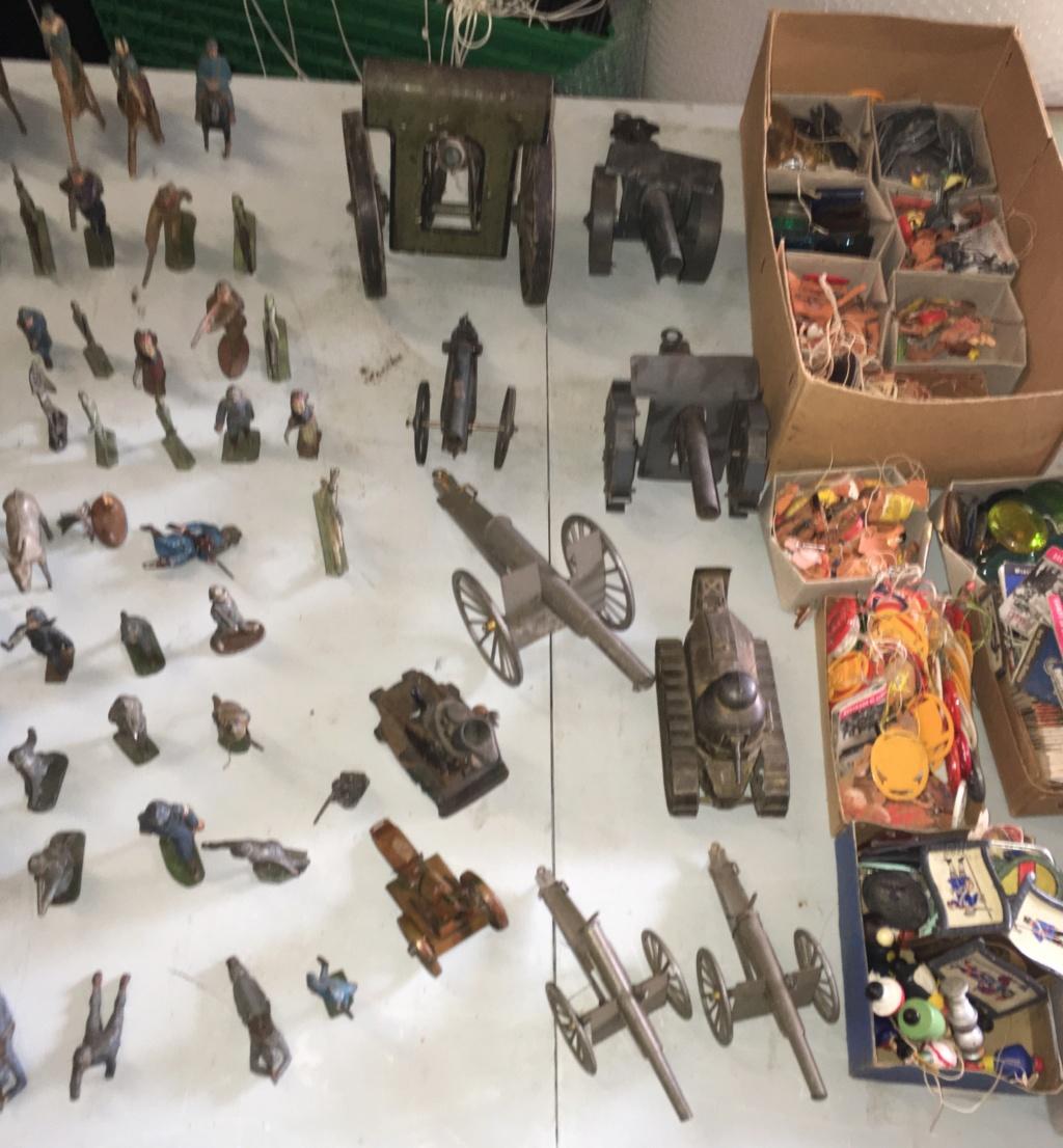 Des jouets et du WHW 181c1110