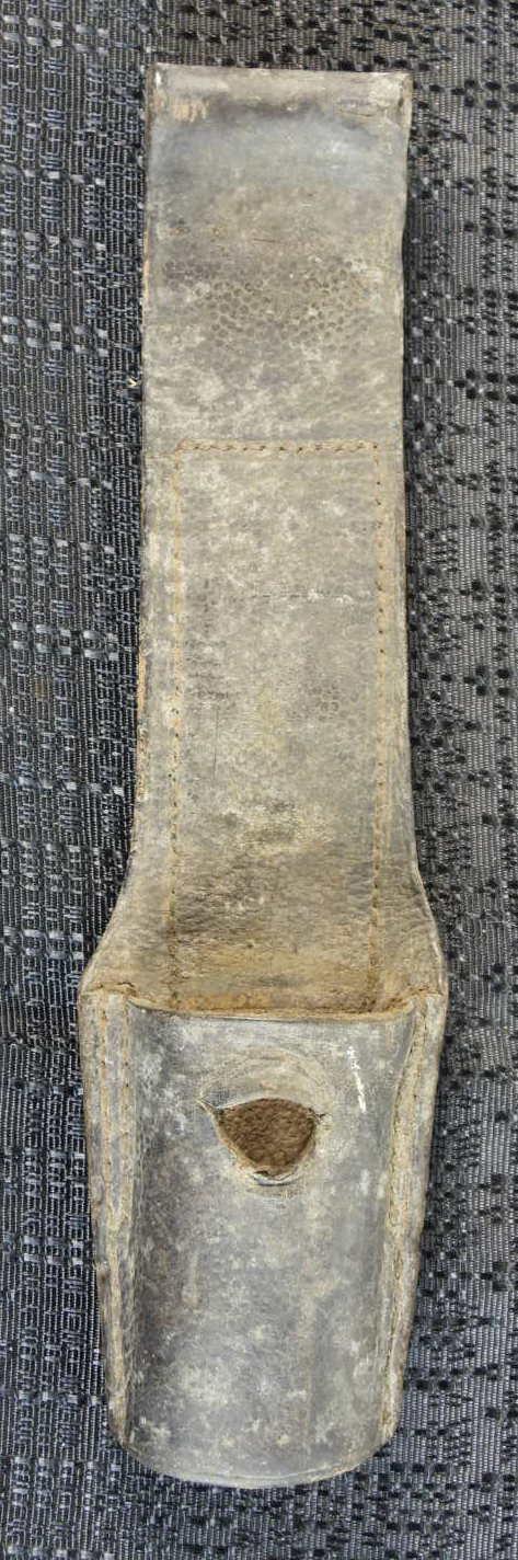 identification porte baïonnette cuir Dscn2213