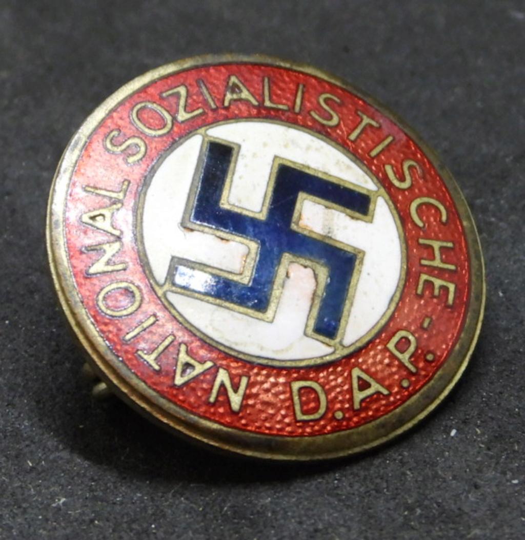 Insigne NSDAP précoce. Dscn7111