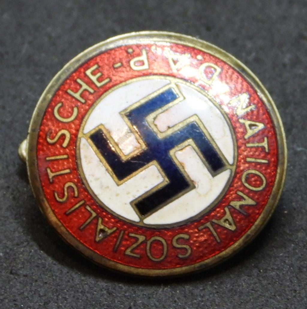 Insigne NSDAP précoce. Dscn7112