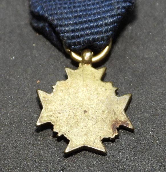 Miniature médaille/croix Dscn8213