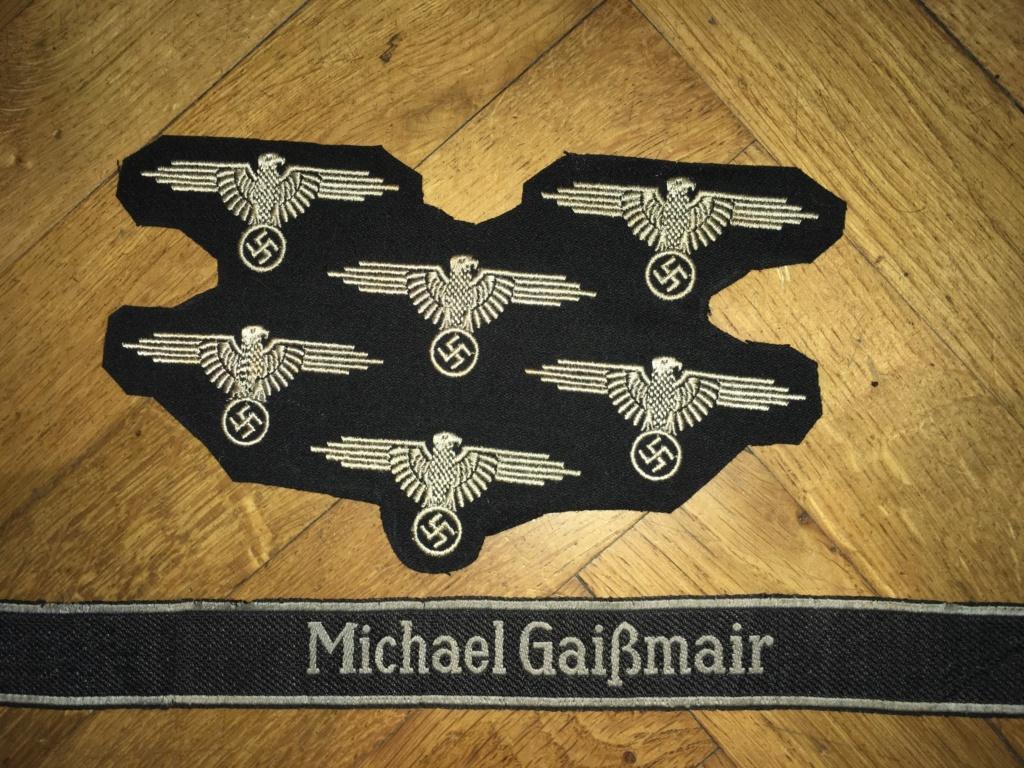 Insignes et bande de bras SS Img_5116