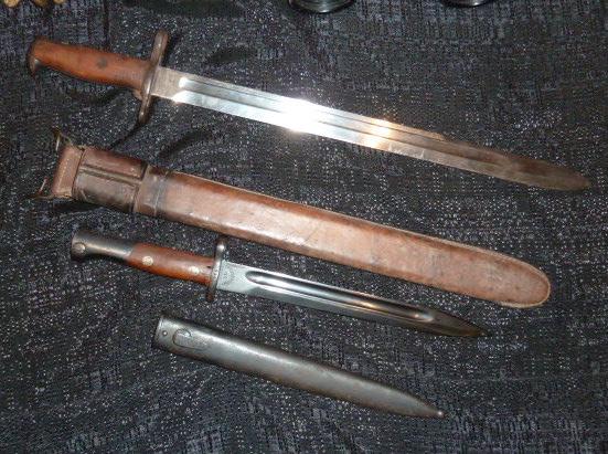 médailles, calot HJ, baïonnettes, poignards..... P1610763