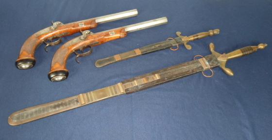 Très belles rentrées: Pistolet Lepage, SS, Kripo, dague........ P1640011
