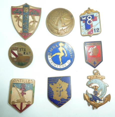 encore des insignes régimentaires..........local, indo, RIF...... P1640212