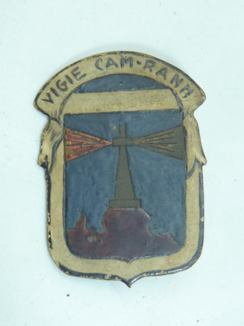 encore des insignes régimentaires..........local, indo, RIF...... P1640256