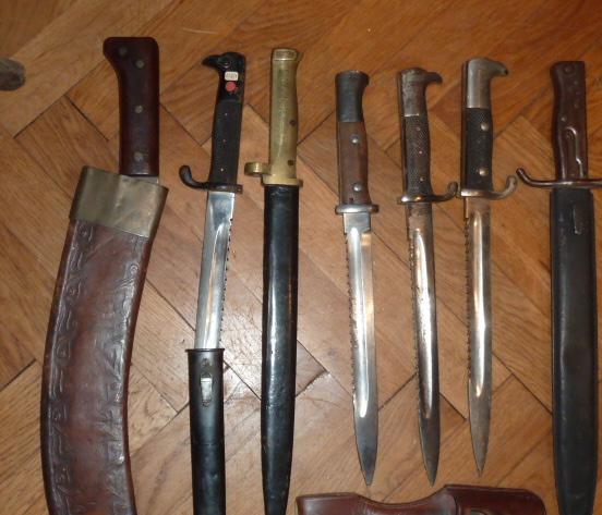 Armes blanches, baïonnette sen pagaille........ P1640426
