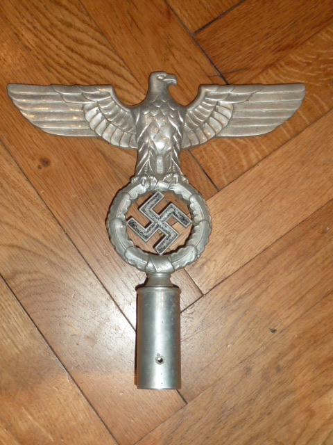 de L'alsacien, du Politisch Leiter, du Glieder, (encore) des insignes.... P1640515