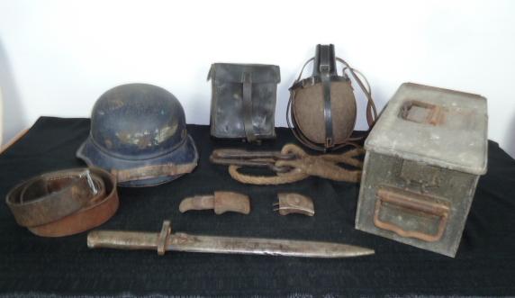 Boucle heer, et HJ, trousse MG, gladiateur, caisse MG 14/18, baïo Ersatz.... P1640626