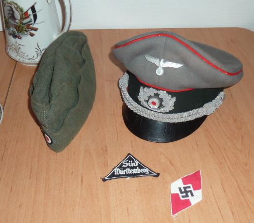 Schirmutze et calot WH Heer, insignes BDM, Tellermutze Kaiserliche Marine.... P1650338