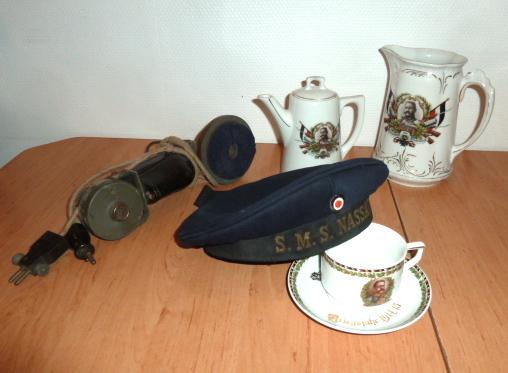 Schirmutze et calot WH Heer, insignes BDM, Tellermutze Kaiserliche Marine.... P1650341