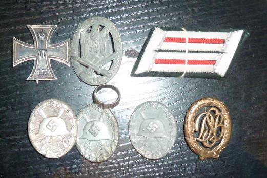 Médailles et décos en nombres, dague DLV, cartes postales dont beaucoup de SS P1670214