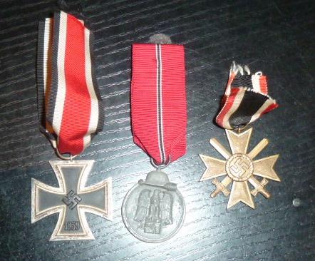 Médailles et décos en nombres, dague DLV, cartes postales dont beaucoup de SS P1670220