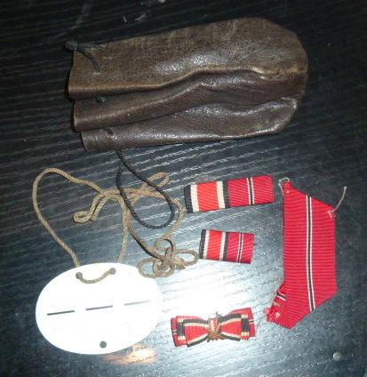 Médailles et décos en nombres, dague DLV, cartes postales dont beaucoup de SS P1670221