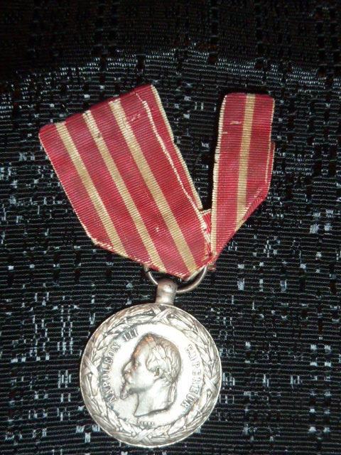 Médailles et décos en nombres, dague DLV, C.P. dont beaucoup de SS, suite! P1670320