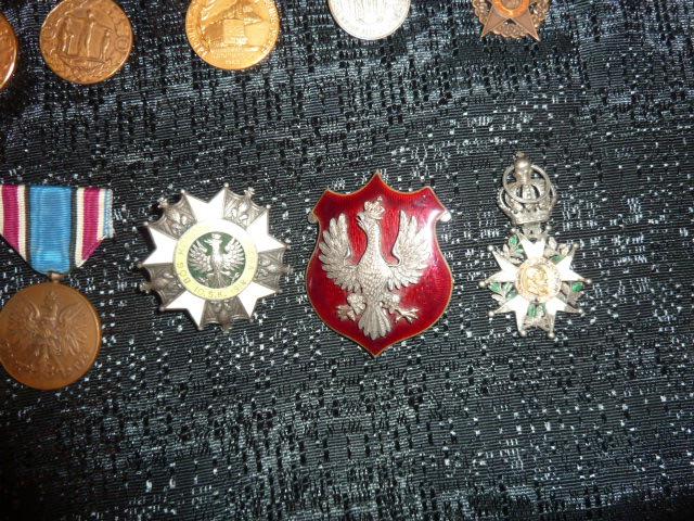 Médailles et décos en nombres, dague DLV, C.P. dont beaucoup de SS, suite! P1670325