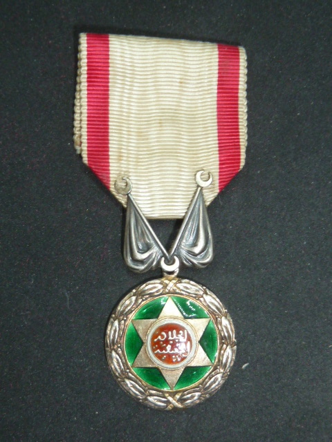 Médailles et décos en nombres, dague DLV, C.P. dont beaucoup de SS, suite! P1670511