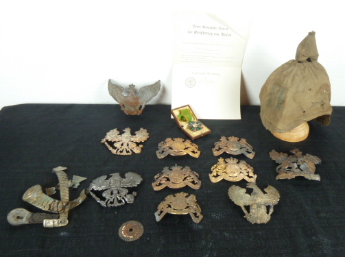 Casque à pointe, plaques et couvres casques, Main camp, HJ,etc.... P1670813
