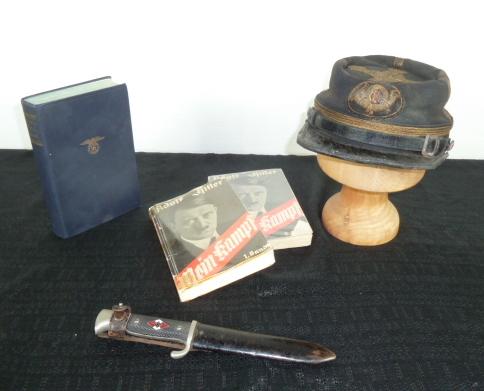 Casque à pointe, plaques et couvres casques, Main camp, HJ,etc.... P1670816
