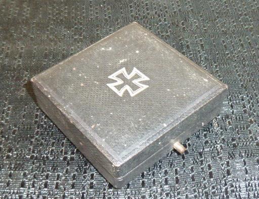 Dagues, Calot NSKK, insignes et boucles.... P1780212