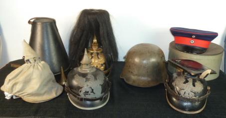 Insignes US et casques allemands P1780610